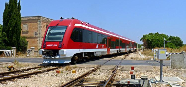 Treno delle Sud-Est svia all'altezza di Castellana Grotte, nessun ferito