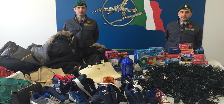 Lotta alla contraffazione: 100mila articoli sequestrati, 5 denunce