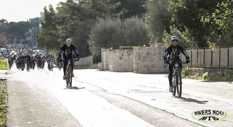 raduno-bikers-strada