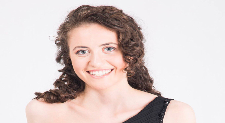 Il talento e la passione dell'arpista Claudia Lamanna