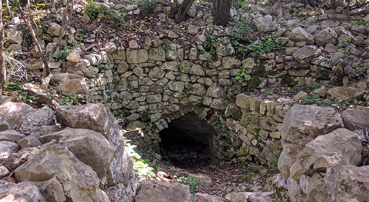 grotta-della-Madonna-(Barsento)