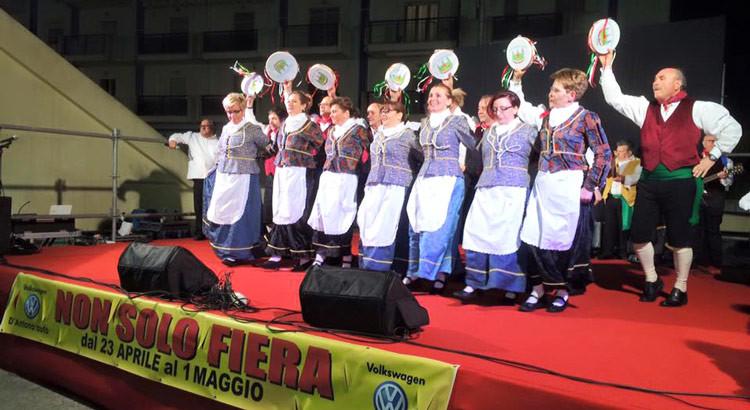 """Anche il gruppo """"La Murgia"""" al Giubileo del Folklore"""