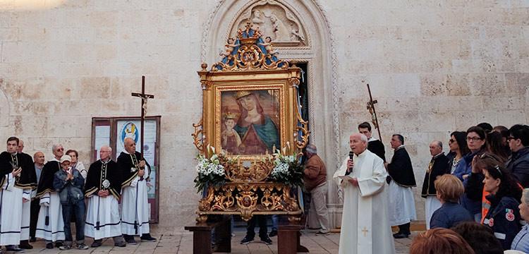 """Madonna della Croce, don Carmine: """"Raggiungiamo la Madonna con la nostra preghiera"""""""