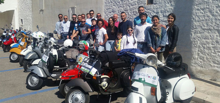 Il Vespa Club Noci in giro per la Puglia (beneficenza inclusa)
