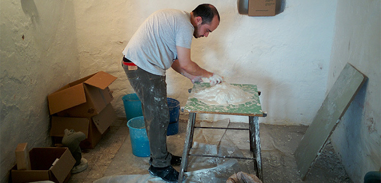 Alessandro Turi e la sua passione per l'arte della scultura