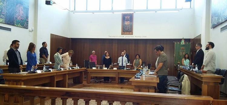 Il Consiglio in silenzio per le vittime innocenti della scorsa settimana