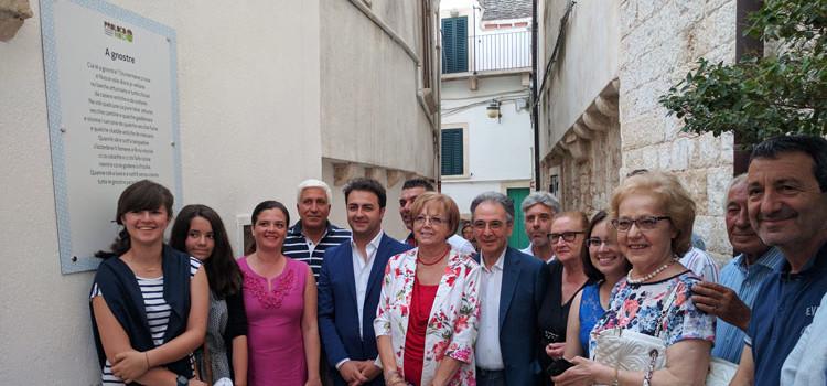 """""""A gnostre"""", la poesia di Enrico Gioia esposta nel centro storico di Noci"""