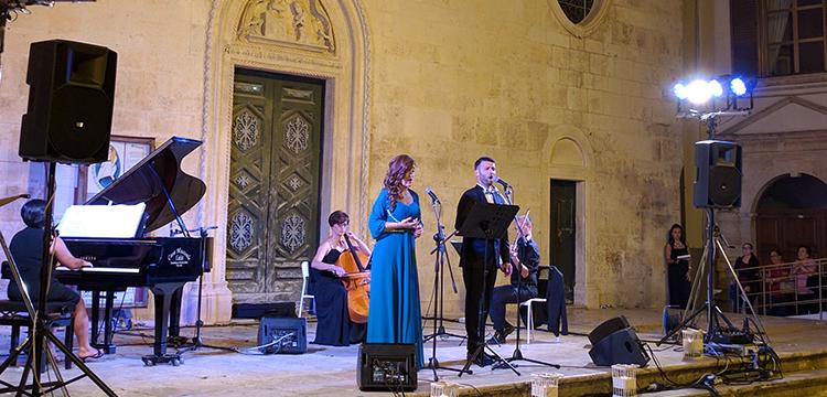 """""""Noci in Lirica"""": un viaggio attraverso la canzone tradizionale napoletana"""
