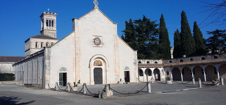 Papa Francesco a Noci, scherzi del solleone o realtà?