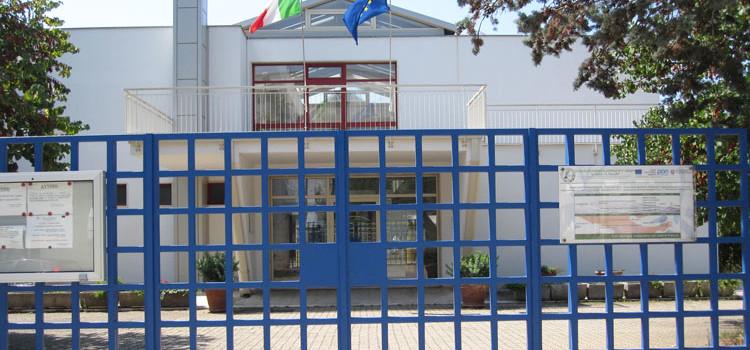 Scuola, sospensione attività didattiche in presenza fino a sabato