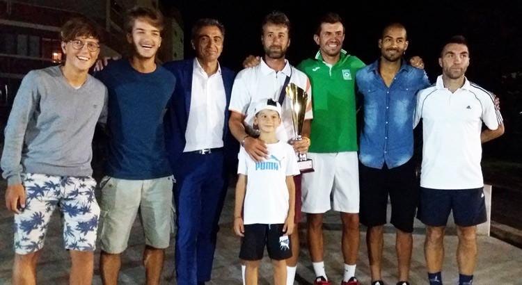 """Torneo di tennis """"Città di Noci"""": vince Nicolaescu, secondo Lovascio"""