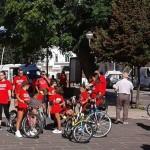 avis-ciclopasseggiata-gruppo-piazza