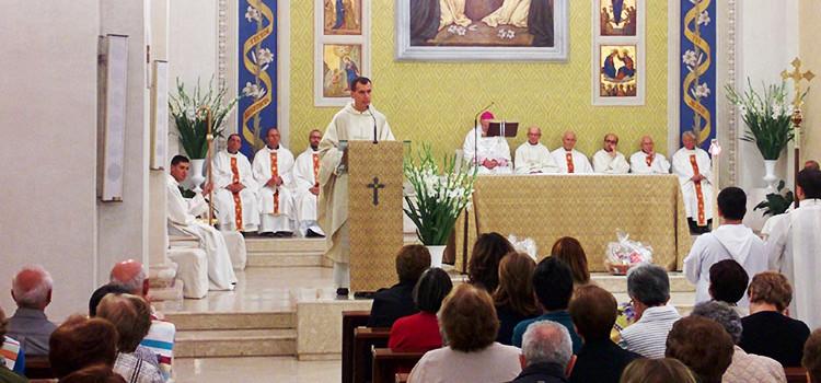 Mons. Favale a Noci per i 25 anni di sacerdozio di don Vito Gentile