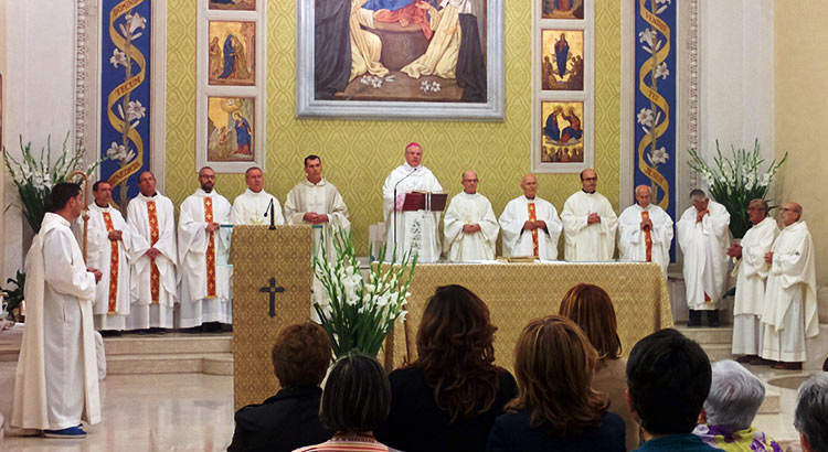 don-vito-25-vescovo-sacerdoti