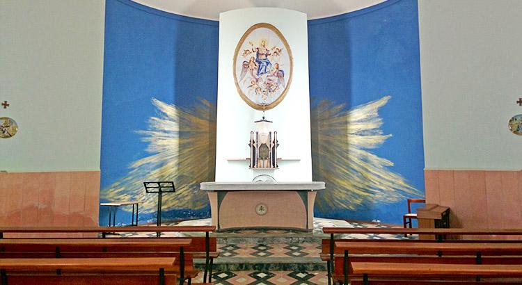 L'interno della Chiesa dedicata a Maria SS Assunta