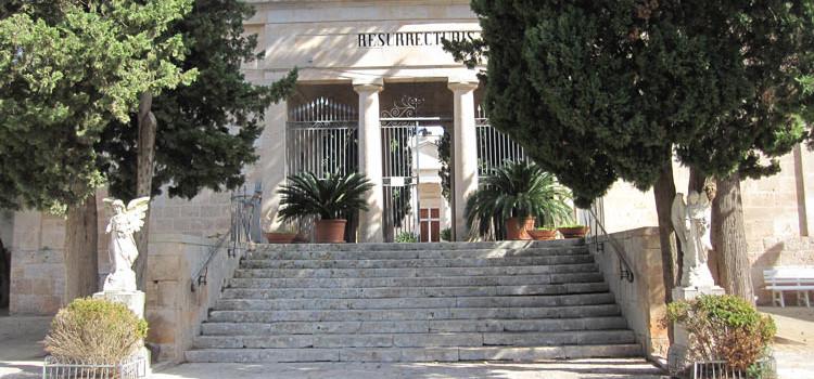 Commemorazione dei defunti, il programma delle funzioni liturgiche