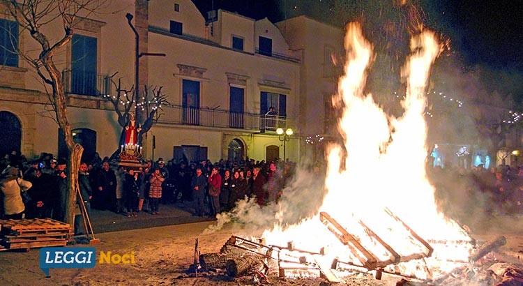 """Santa Lucia 2016: """"Si accenda quel fuoco che brucia l'egoismo"""""""