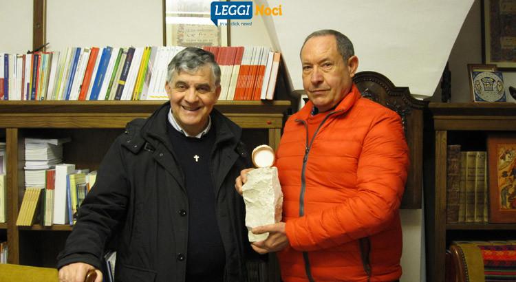 Vicenti dona una nuova opera alla chiesa Madre