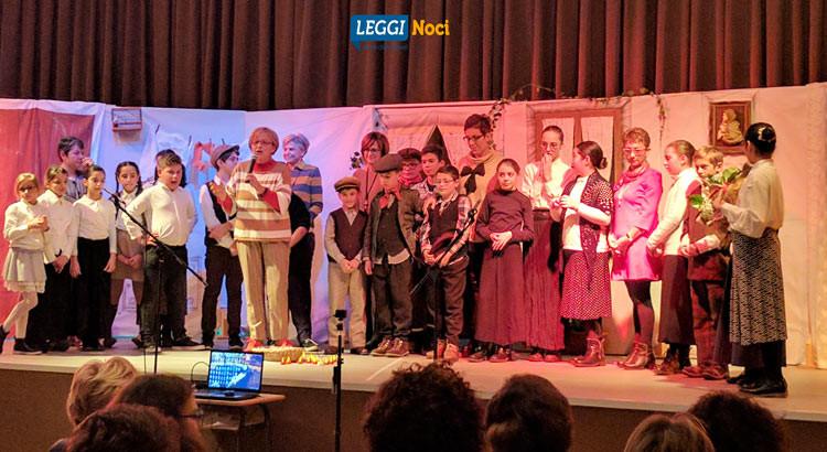 """""""La Vigilia di Natale"""": gli alunni della Positano alle prese con il dialetto per rivivere la vita nelle gnostre"""