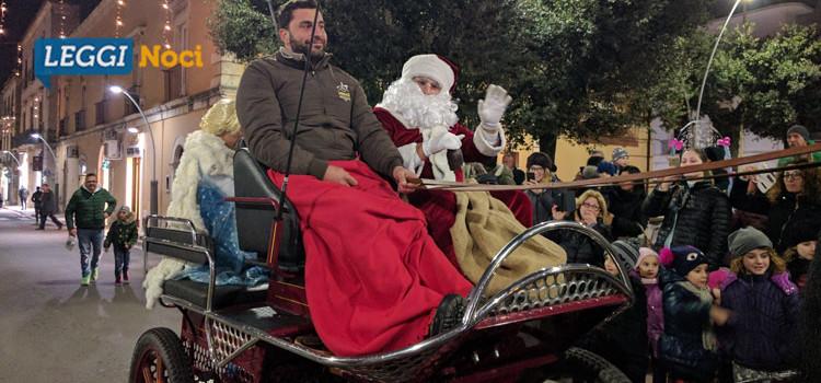 """Piazza Garibaldi si colora di magia grazie al """"Villaggio di Babbo Natale"""""""