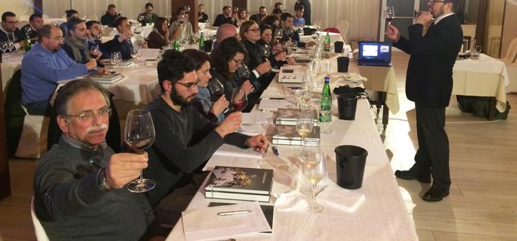 Più di 50 aspiranti sommelier nel nuovo corso dell'AIS Puglia