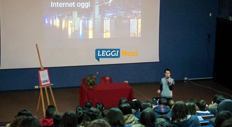 """Cosa c'è dietro internet, gli studenti della """"Gallo"""" incontrano Paolo Rotolo"""