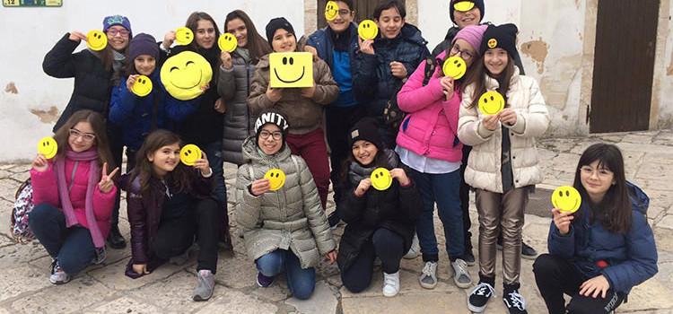 I ragazzi dell'ACR donano un sorriso ai cittadini nocesi