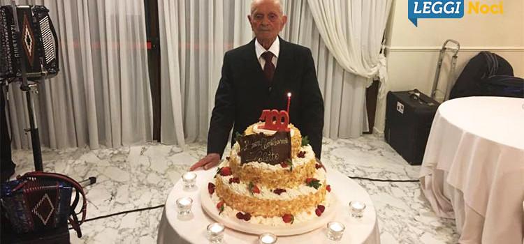 Applausi e riconoscimenti per i 100 anni di nonno Nicola