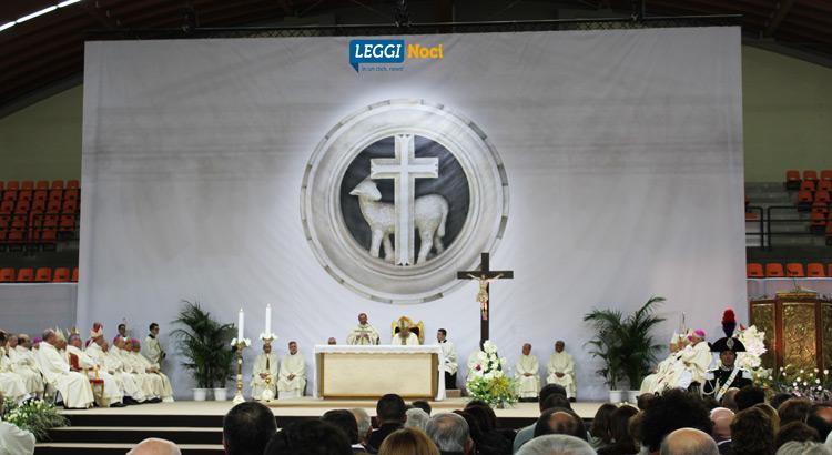 ordinazione-episcopale-intini-palco