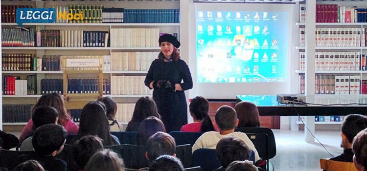 La scuola in Biblioteca: la storia di Novecento raccontata da Danica Pettinato