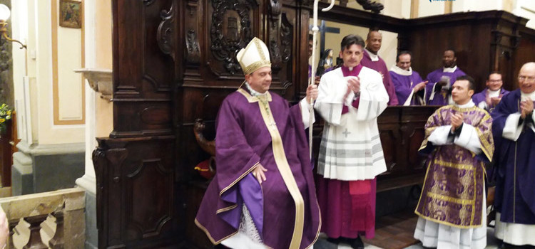 """Mons Intini a Tricarico: """"vengo a voi come messaggero di pace"""""""
