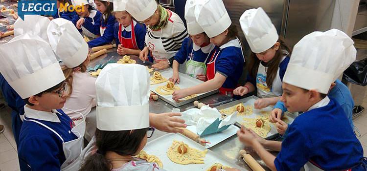 U sorge 'mbise, gli alunni della Cappuccini alla scoperta delle tradizioni pasquali