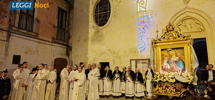 Noci omaggia la Madonna della Croce nella tradizionale festa del 3 maggio