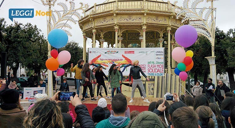 """""""Vivere a colori"""": flash mob solidale per aiutare Cittareale"""