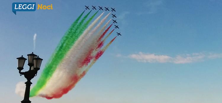 Le Frecce Tricolori incantano Bari rendendo omaggio a San Nicola