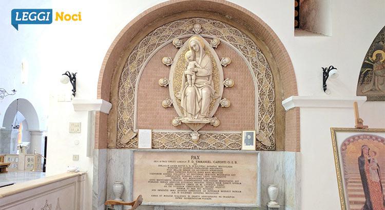Madonna della Scala - Tomba don Emanuele Caronti