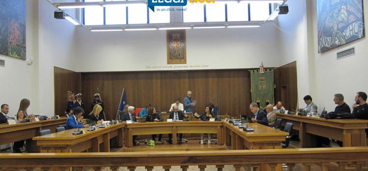 Consiglio Comunale: rinviato il DPRU, scontro sulla partecipata del SUAP