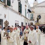 san-rocco-processione-gala-vescovo