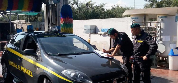 Controlli agli autolavaggi, denunziati 14 soggetti a Bari e provincia