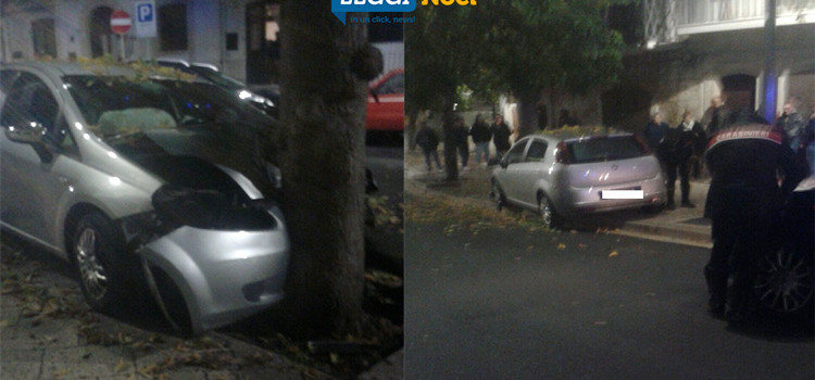 Manovra azzardata, auto si schianta su albero