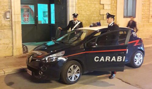 Fermato con patente falsa tenta di corrompere Carabiniere, arrestato