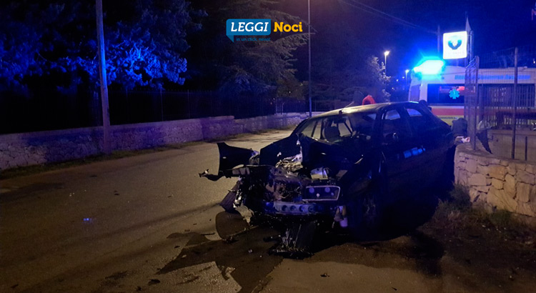 incidente-lancia-k-frontale-via-mottola