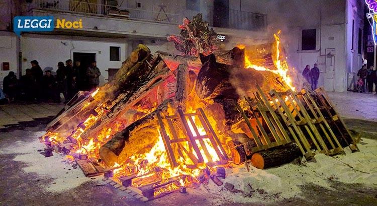 Falò di Santa Lucia 2018: appello di don Stefano per recuperare la legna