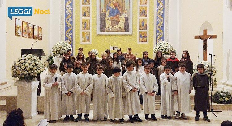 catechismo-presepe-canto-gruppo