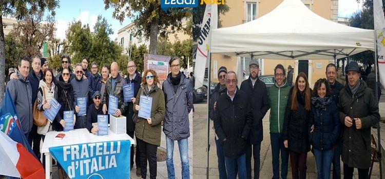 Verso le politiche del 4 marzo: FdI e M5S in piazza