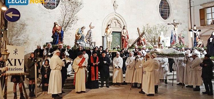 """La """"Processione dei Misteri"""" apre ai riti della Settimana Santa"""