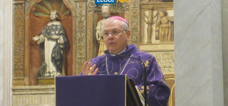 """""""Cristo, luce del mondo"""": il messaggio pasquale del Vescovo Favale"""