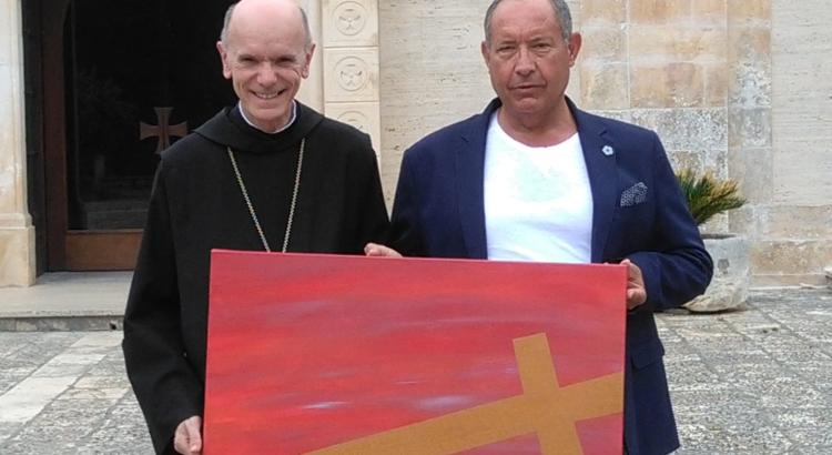 Vicenti dona opera originale all'Abbazia della Madonna della Scala