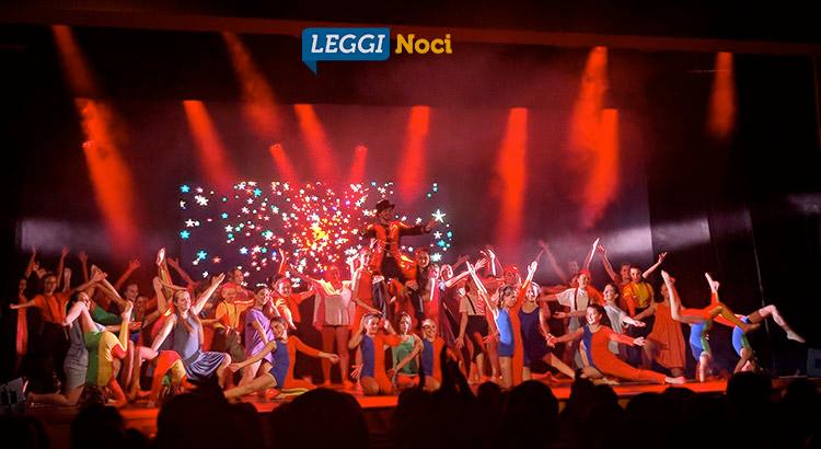 Studio-Danza-saggio-gruppo-ballo