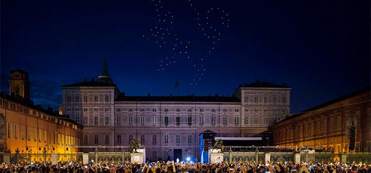 Festa di San Giovanni a Torino: i droni sostituiscono i fuochi pirotecnici. E se accadesse anche a Noci?